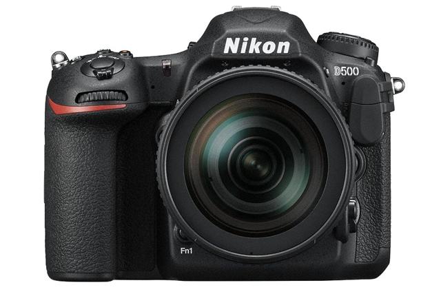 Nikon D500 正面
