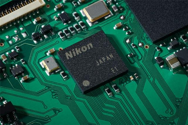 Nikon D500 AF専用エンジンを搭載