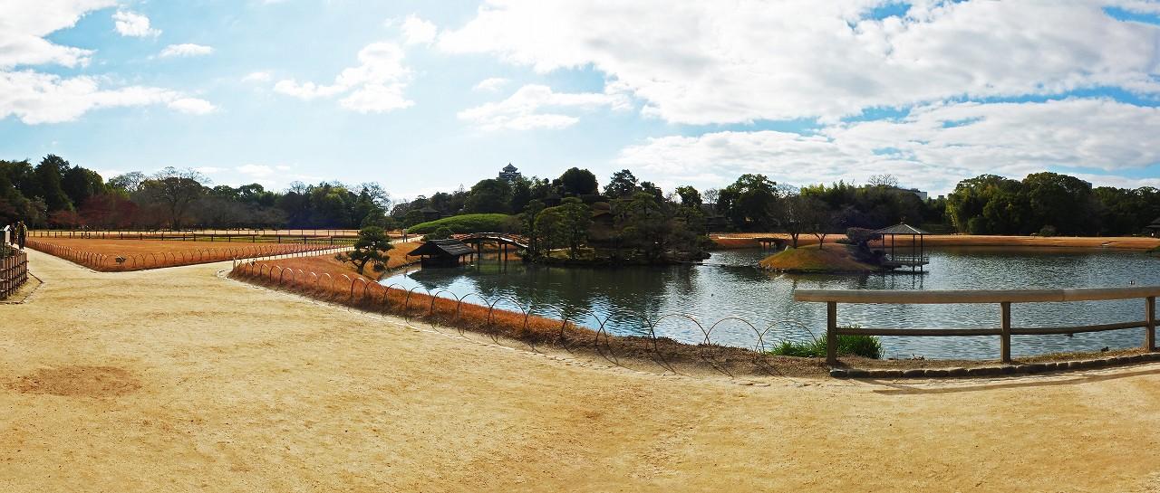 s-20151218 後楽園今日の園内千入の森から沢の池までのワイド風景 (1)
