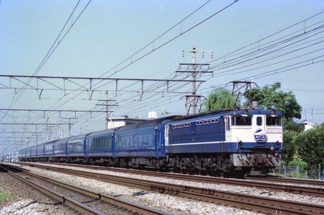 0A651121_19860523c_k44.jpg