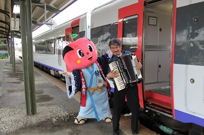 リゾート列車 マリアージュ 2015-11-8 (46)