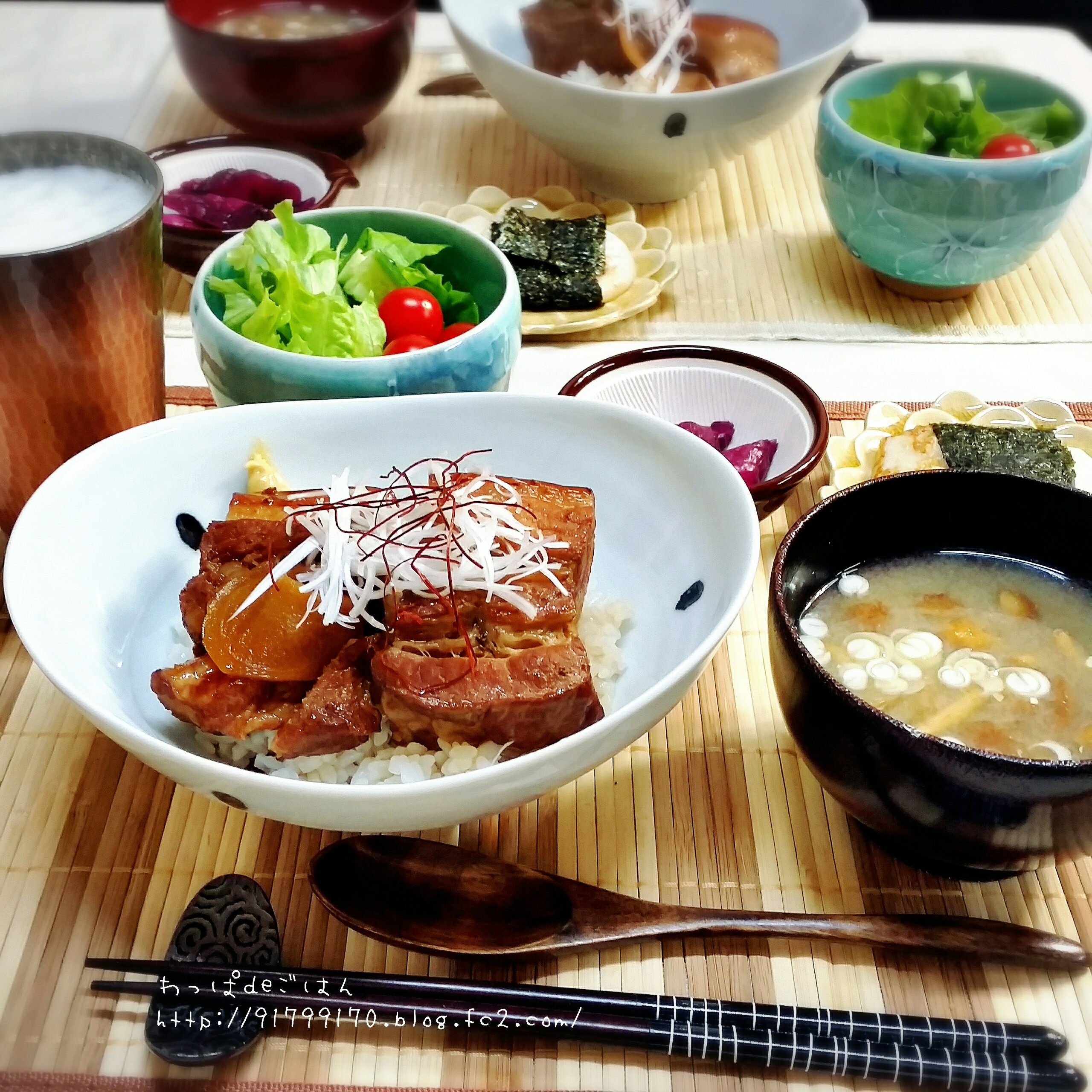 皮付き豚バラ角煮丼の晩ごはん