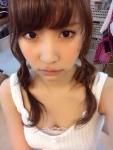 AKB48 永尾まりや セクシー 顔アップ おっぱいの谷間 胸チラ カメラ目線 高画質エロかわいい画像10193