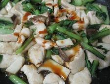 鶏むね肉のオイスターソース炒め 卵焼きのっけ 調理④