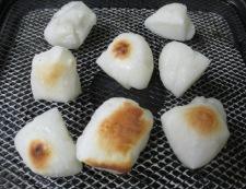 お餅のスパニッシュオムレツ 調理①