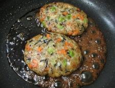 五目鶏つくねバーグ 調理⑤