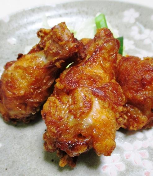 鶏手羽元の赤唐揚げパプリカ風味 B