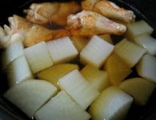 鶏手羽と大根の煮物 調理④