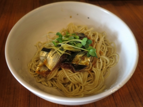 コイ和え麺