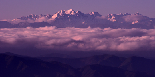 雲海に浮かぶ槍穂高連峰