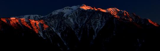 残照に輝く仙丈ヶ岳