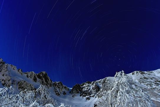 宝剣岳と星空