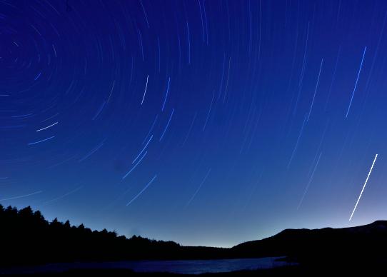 八島湿原の星の光跡