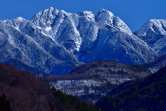 冠雪の鋸岳