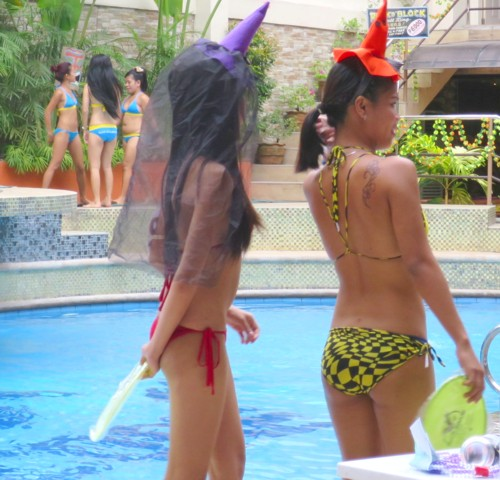 swimsuit contest halloween103115 (6)