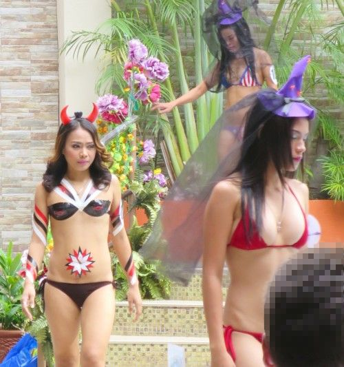 swimsuit contest halloween103115 (23)