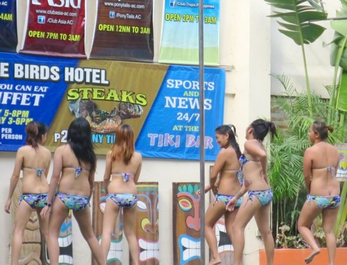 swimsuit contest013016 (4)