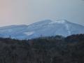 尾根道から見る泉ヶ岳