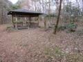 藪刈り作業は止めてある筈でしたが何なのでしょう!付近で唯一の野兎の隠れ場でした・・・