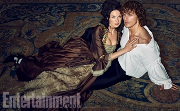 Outlander-Caitriona-Balfe-and-Sam-Heughan-02.jpg