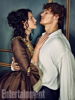 Outlander-Caitriona-Balfe-and-Sam-Heughan-03.jpg