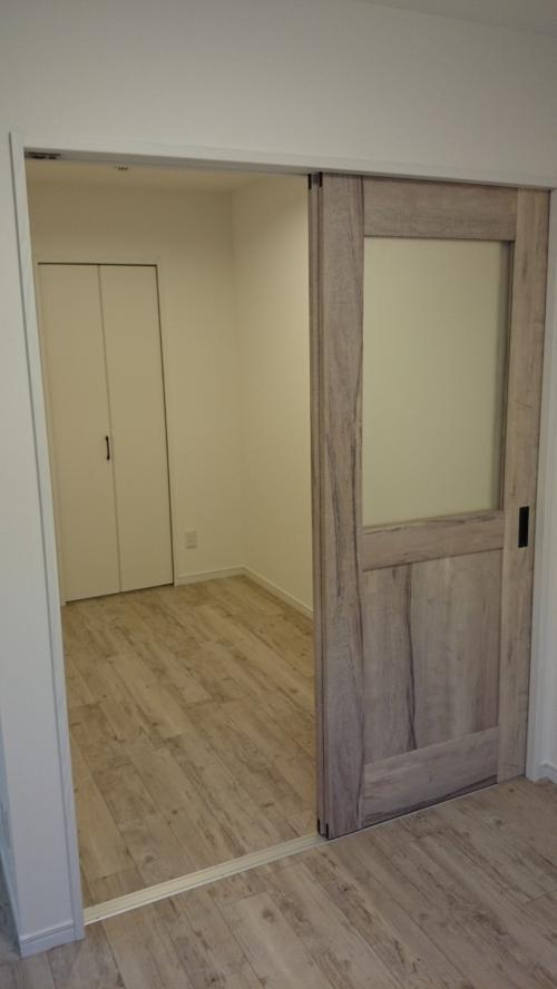 2F_センタードア