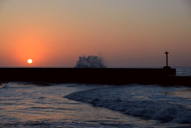 防波堤の夕暮れ-3