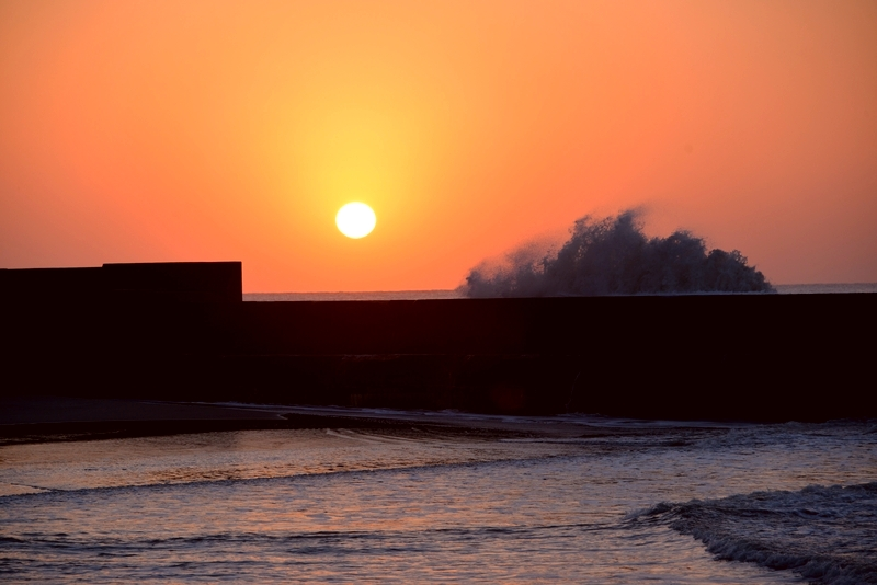 防波堤の夕暮れ-5