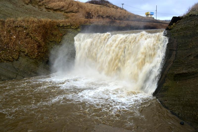 増水 落水の滝-1