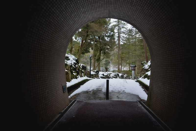 雪のトンネル-3