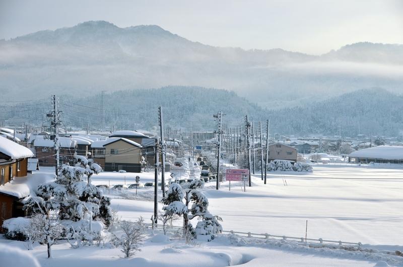 雪 渋滞の中で-1