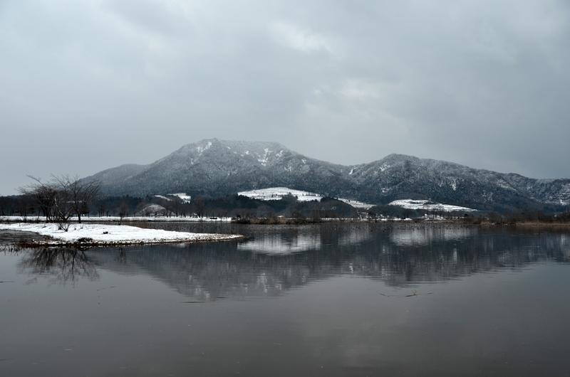 上堰潟公園から角田山-4