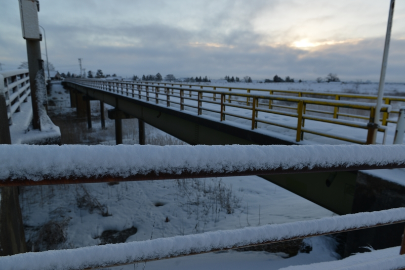 雪の歩道橋-4