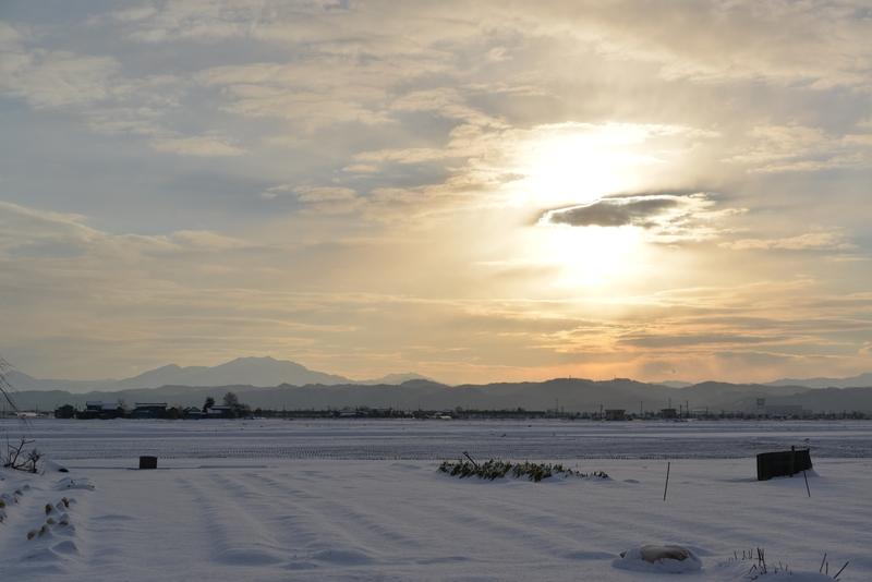 雪の朝日-1