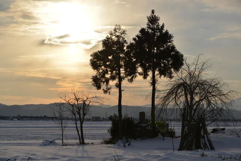 雪の朝日-2