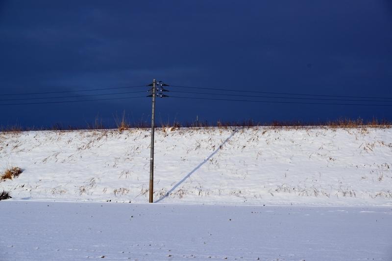 雪の土手-1
