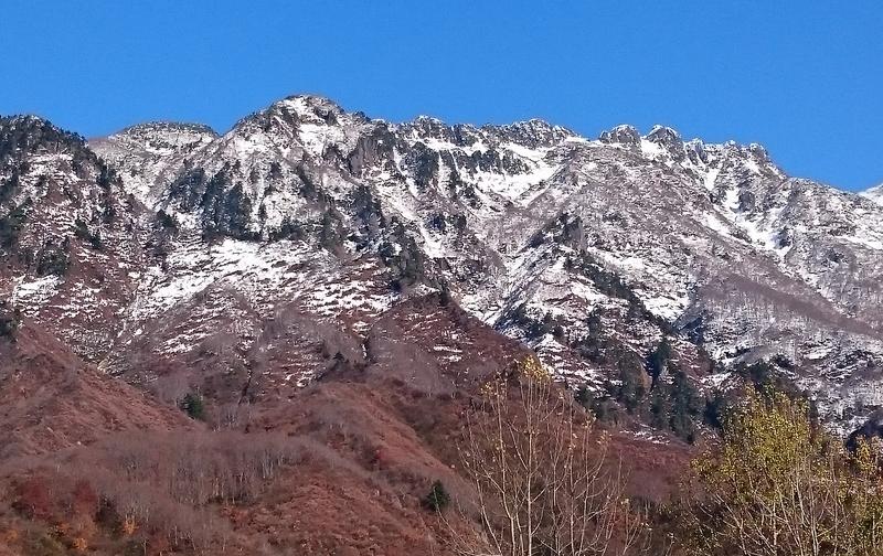 雪の山 スマホ-1