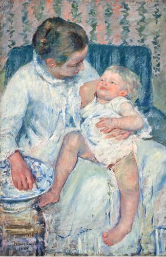 眠たい子どもを沐浴させる母親 メアリーカサット
