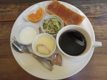 ブレンドコーヒー 380円(トースト・シナモン)