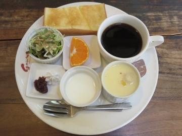 ブレンドコーヒー 380円(トースト・バター)