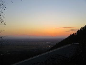 美濃平野の夜明け