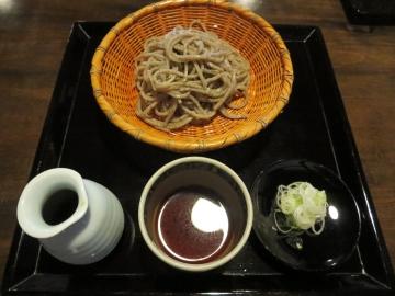 手碾き蕎麦 950円(二枚目に限り)