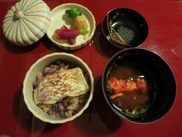 鯛赤飯、味噌汁
