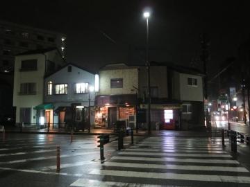 雨の夜でした