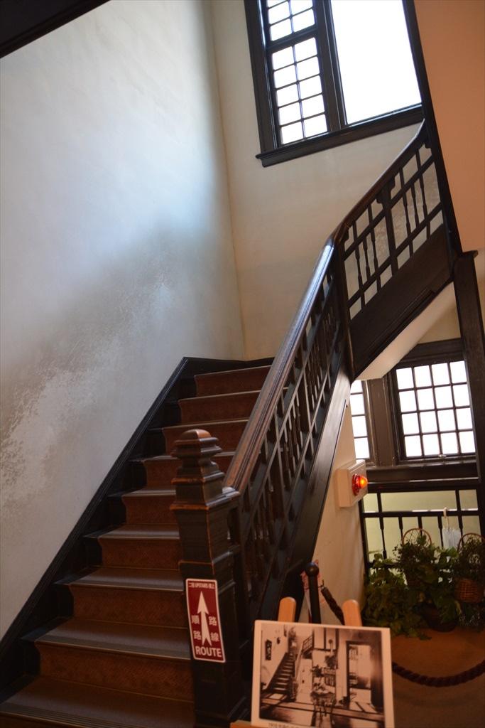2階に上がる_1
