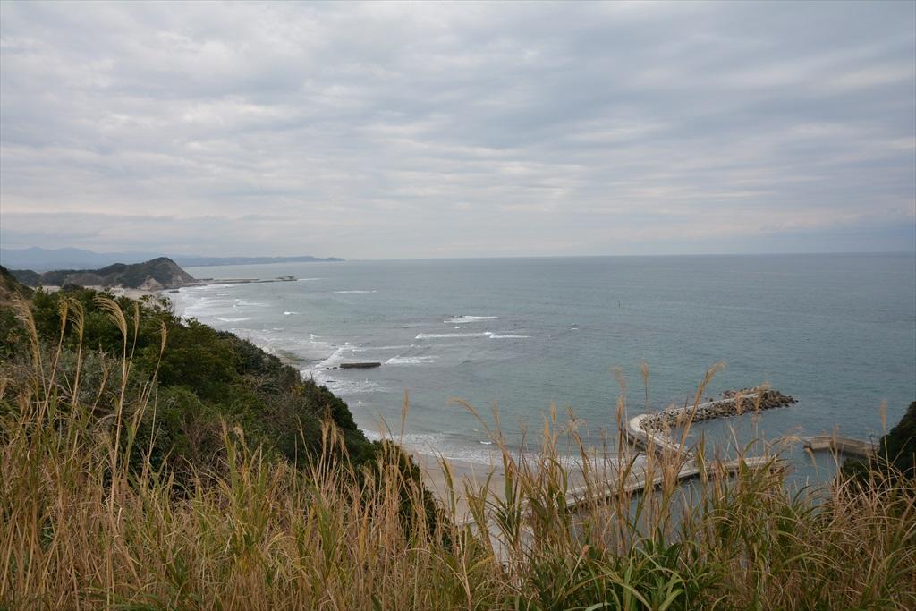 薄磯海水浴場の方向(灯台の北側)_1