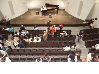 宗次ホールのステージ