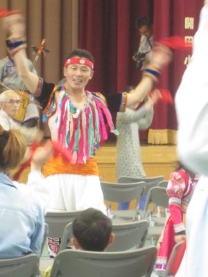 ドガラさんのモンゴル舞踊