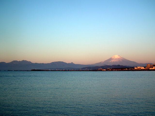 2016年初日の出・茅ヶ崎サザンビーチからの富士山(1)