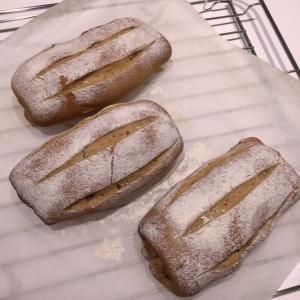 ABC@プルーンピューレのパン